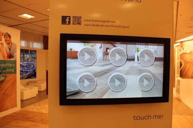 55 Zoll Touchscreen Vermietung Infrarot mit interaktiven Content